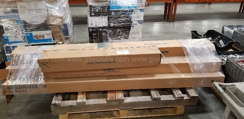 One pallet of Miscellaneous Fluorescent Lighting/Holders