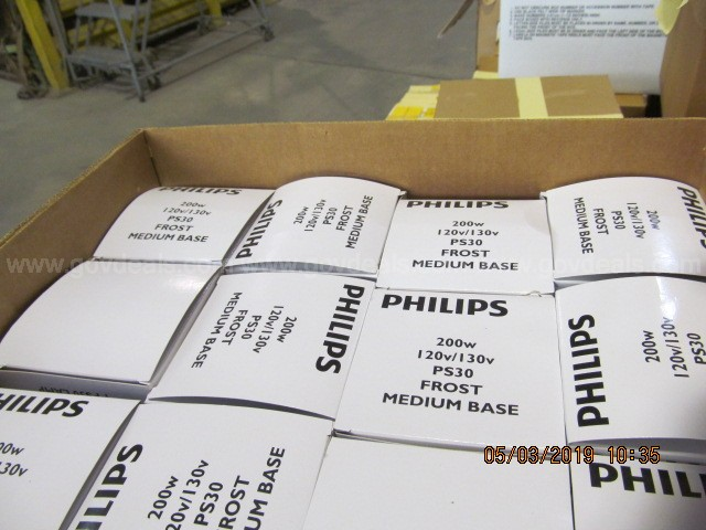 1 Pallet of Misc Incandescent Light Bulbs *New and Unused Surplus*