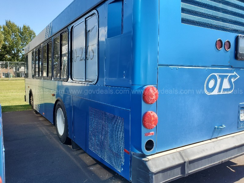 2002 Gillig Low Floor - SCRAP Condition  ***RESERVE LOWERED***