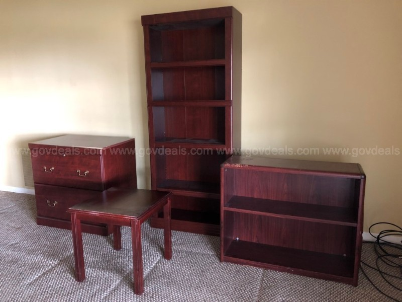 One lot of cherry office furniture