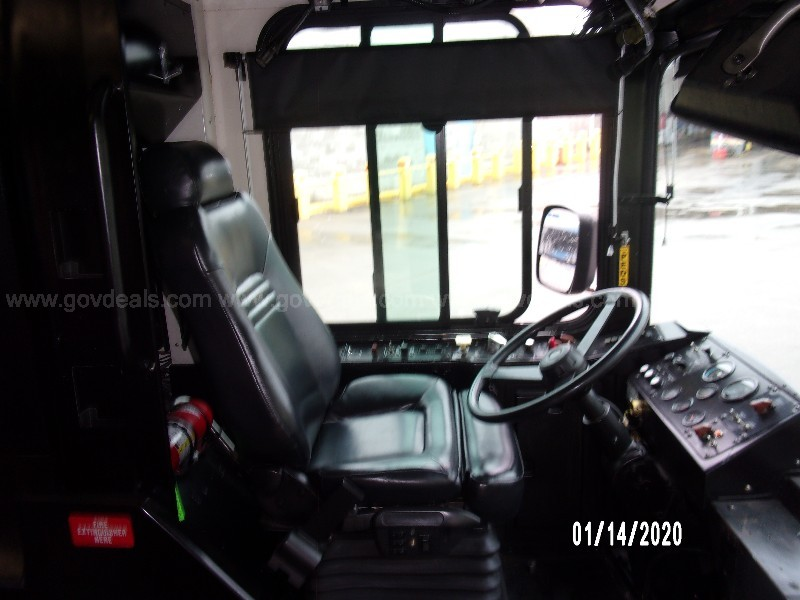 2001 Gillig G22D102N4 Bus  (Unit - 9115) Does Not Run (Must Be Towed)