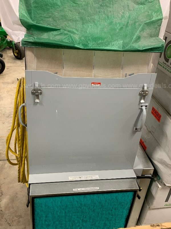 Duster 3000 Downdraft mobile station with various filters.