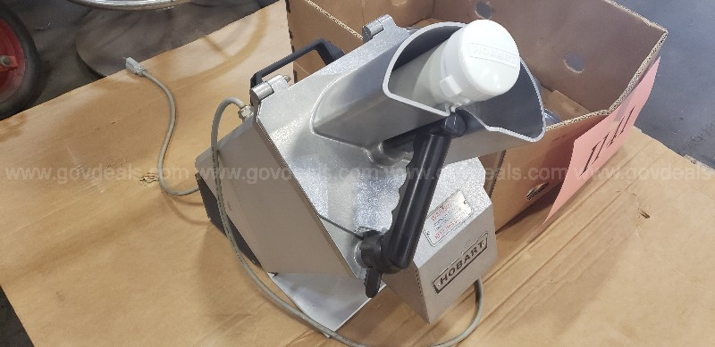 *** COMMERCIAL HOBART CONTINUOUS FEED FOOD PROCESSOR ***