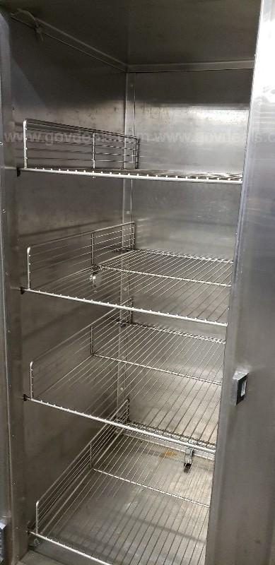*** COMMERCIAL TRAULSEN FREEZER-2 DOOR ***