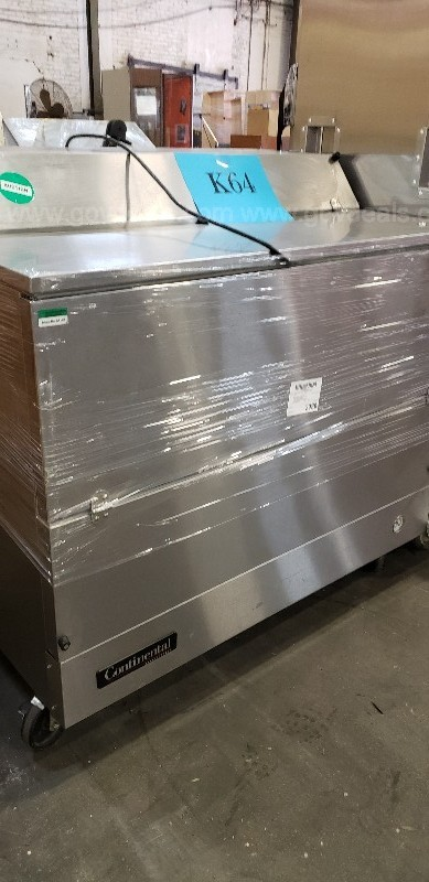 *** COMMERCIAL REFRIGERATED BEVERAGE COOLER - CHEST TYPE ***
