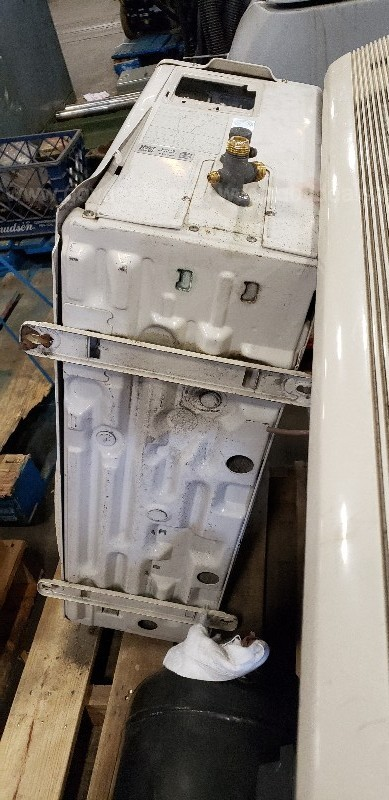 *** INDUSTRIAL AIR CONDITIONING/ AIR COMPRESSOR / AC PARTS - 1 PALLET ***