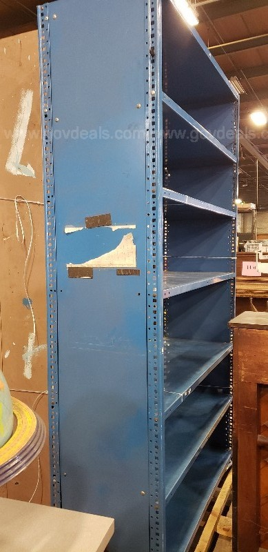 *** METAL CABINET / DISPLAY RACK ***