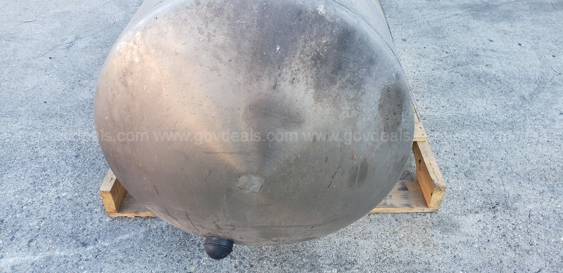 *** STAINLESS STEEL LNG FUEL TANK ***