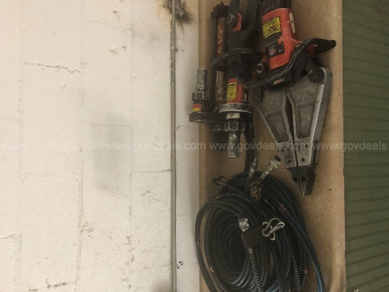 Extrication Tools Full Set 10,500psi with Spreaders, Cutters, Ram, Hoses