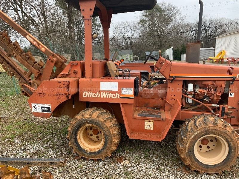 1994 Ditch Witch R-5110 Riding Trencher