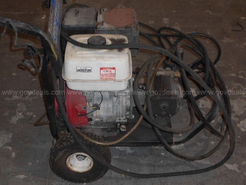 1 Used Pressure Washer (Do Not Work)