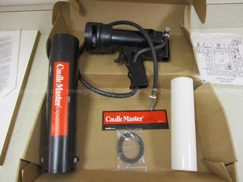 Pneumatic Caulk Gun