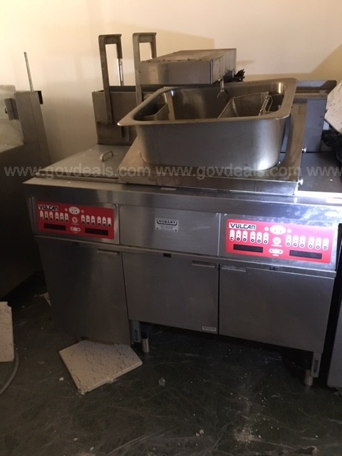 Vulcan Fryer - Model 3GRC45F (Double 45LB Gas Fryer w/ Dump Station)