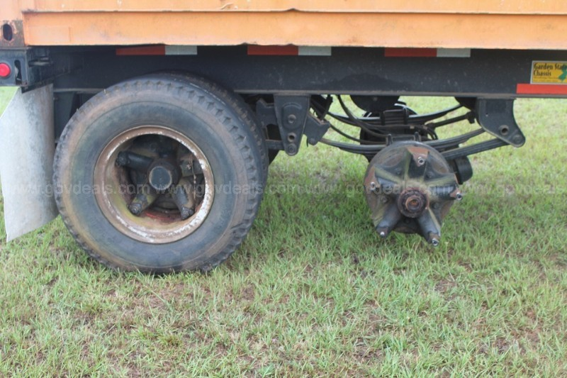 2003 GSCR 40 foot Chassis Trailer with 40 foot Container.