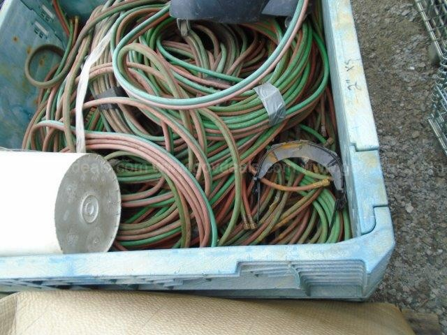 480 VOLT CABLE & 2 PALLETS OF WELDING HOSE