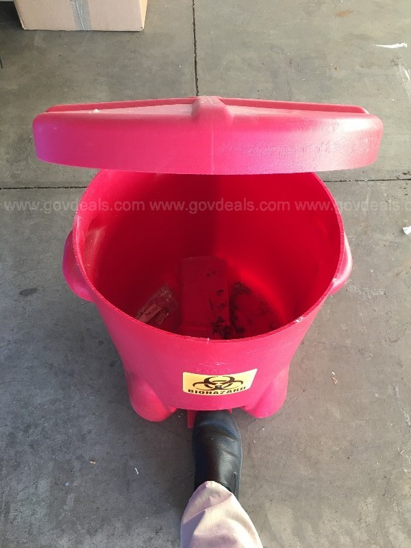 Biowaste container foot pedal opened approx 10 gallon capacity, plastic