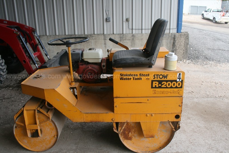 STOW R2000 smooth drum roller