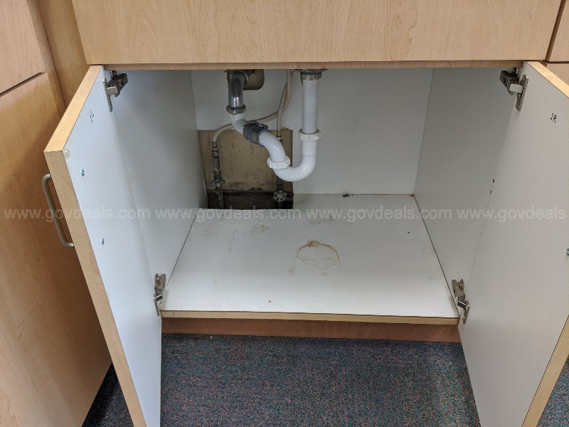 Cabinets countertop sink faucet