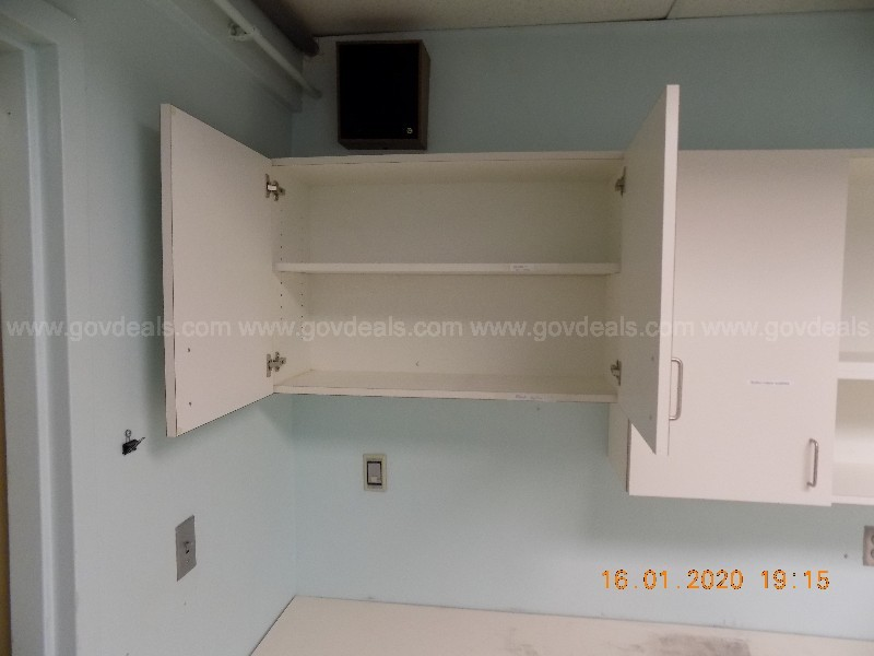 Upper cabinets, 106-1