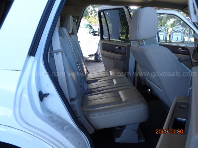 2008 WHITE FORD EXPEDITION SUV