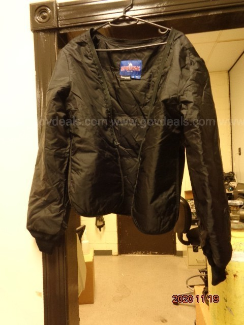 ONE (1) BLACK SPIEWAK JACKET SIZE MEDIUM REGULAR      SPIEWAK MODEL S3609