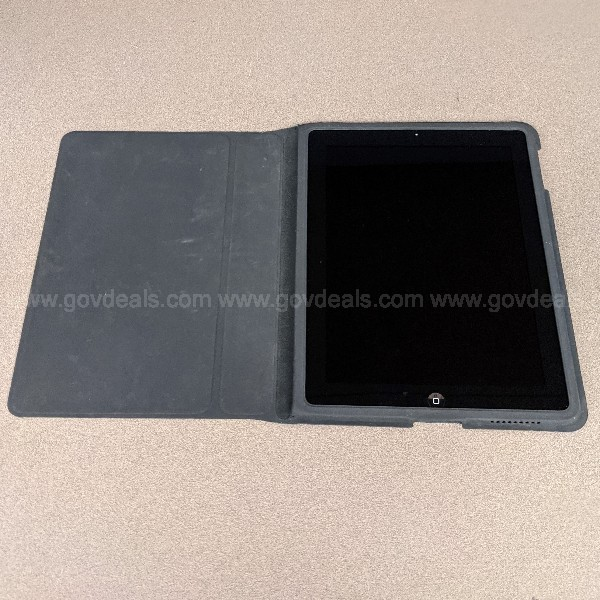 Apple iPad 2 Tablet with Apple Case