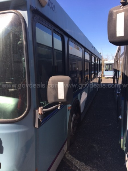 Lot of Two 2005 New Flyer D40LF Transit Buses