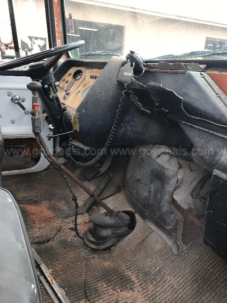 SCRAP Only - 1982 Ford L8000 Knuckleboom Truck
