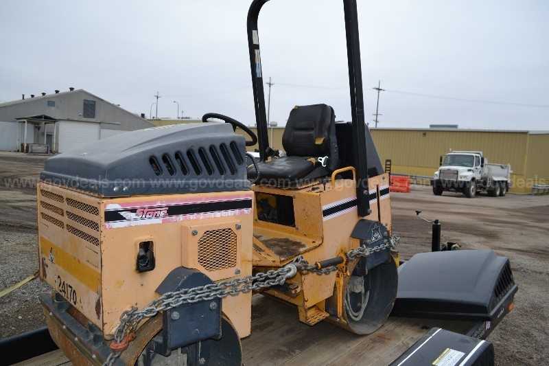 2006 STONE WP4100 ROLLER (PARTS ONLY) INCLUDES >$2,000 NEW PARTS