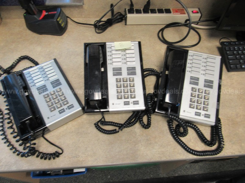 Lot of AT&T phones