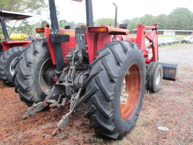 1996 MASSEY FERGUSSON TRACTOR 399 2DW