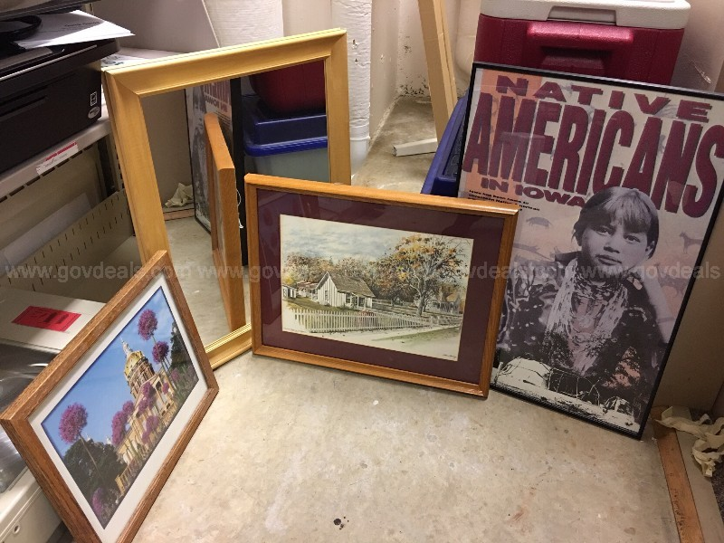 Lot of art and miscellaneous books