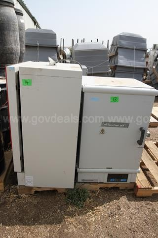 Lot of 2 Laboratory Drying Ovens