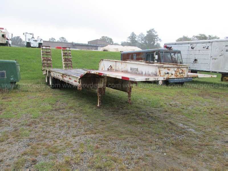 1981 Fontaine 25T Trailer (110101 NB)