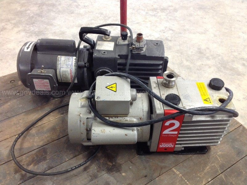Lot of two Vacuum Pumps