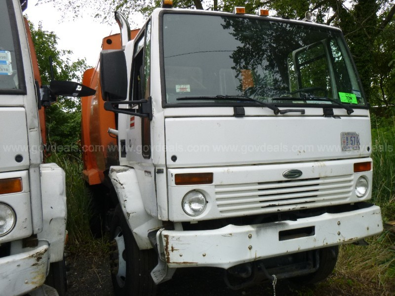 2006 Sterling SC8000 Garbage Truck-No Key