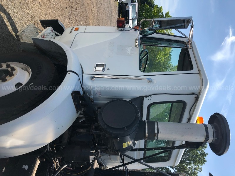 2003 Volvo 6x4 Tanker Truck - only 11,644 miles