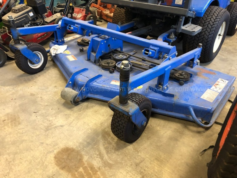 New Holland MC35 Tractor with mower deck - only 198 engine hours