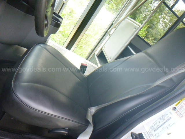2010 Ford Econoline E450 Shuttle Bus