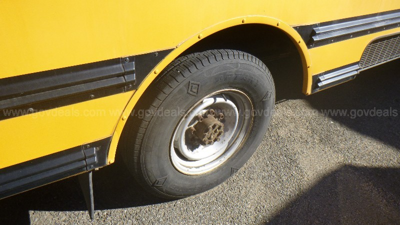 2001 Chevrolet Express G3500 School Bus
