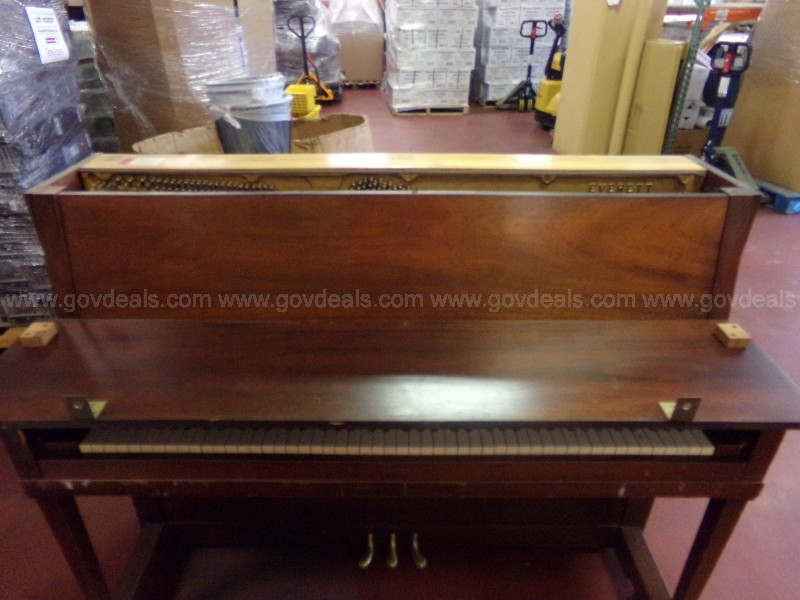 Everett  Piano – 1 UNIT