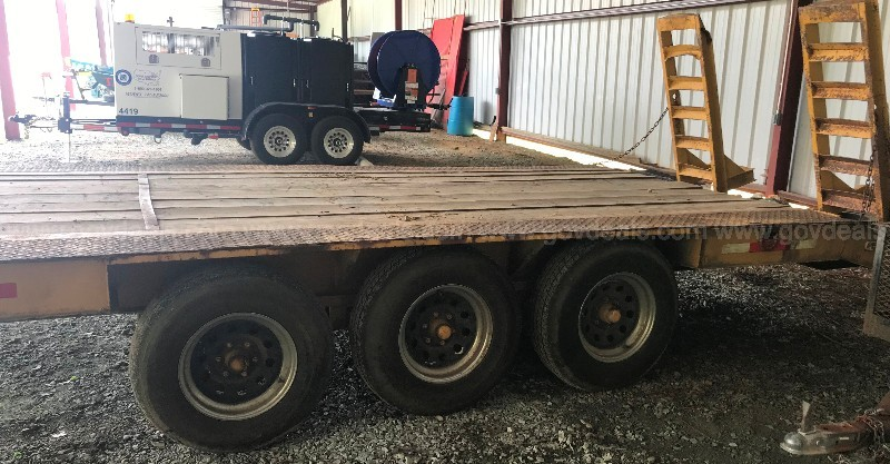30' Flat Bed Trailer