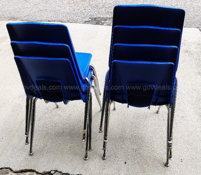 1-Lot of 7 Chairs