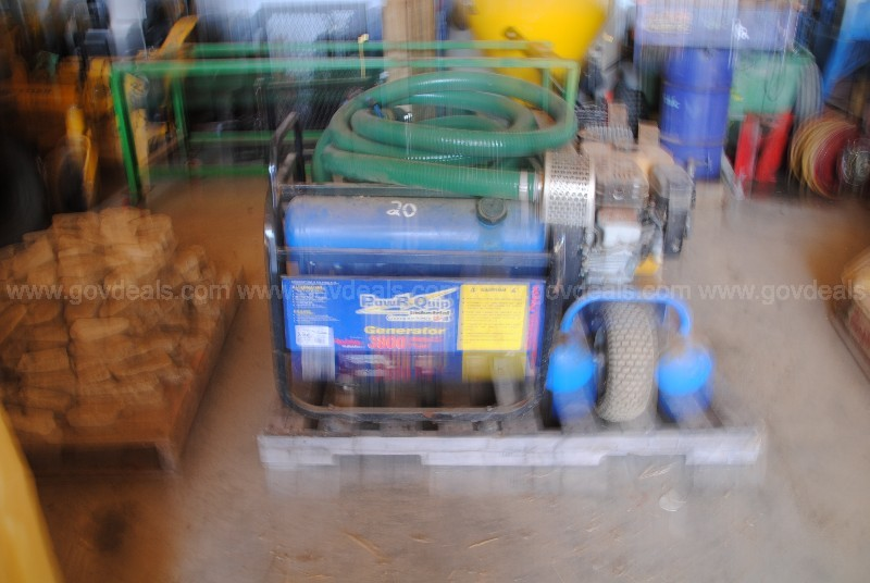 Water pump and  2 air compressor units as one lot