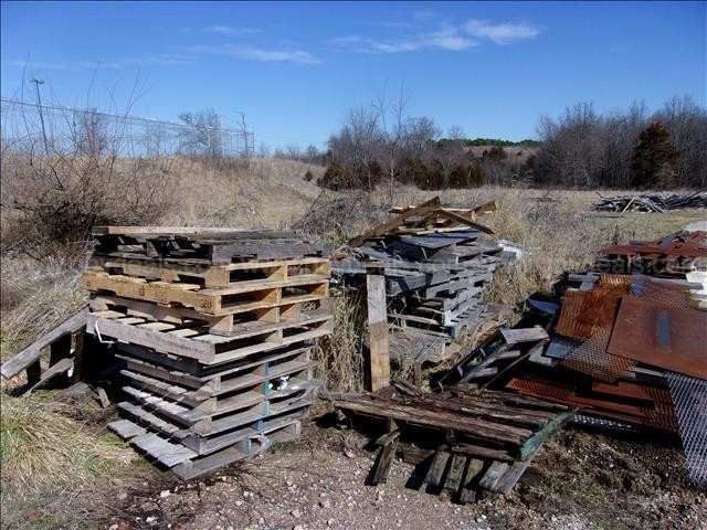 Stacks of Wooden Pallets, Various Sizes and Shape (8)
