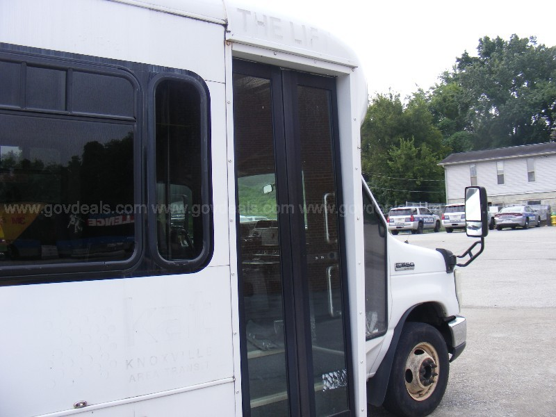 2010 Ford Econoline E450 Transit Bus Watch Test Drive Video