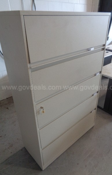 (1) USED BEIGE METAL 5 DRAWER LATERAL LATCH FILING CABINET