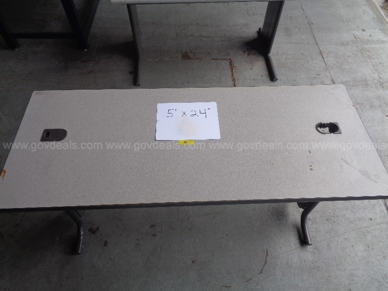 (1) HEAVY DUTY METAL TABLE WITH GRANITE PATTERN FORMICA TYPE TOP