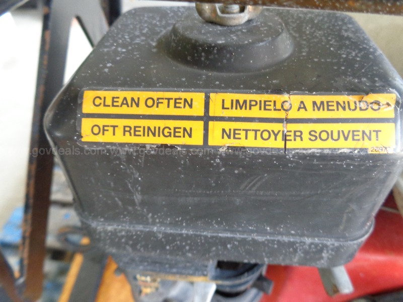 (1) USED WACKER TAMP & (1) USED BASE PLATE WACKER TAMP PARTS ONLY.