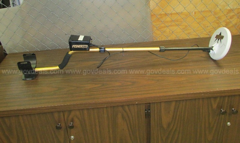(1) USED FISHER 1212X METAL DETECTOR.